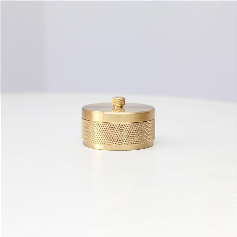 MAXERY Brass Small ashtray with a lid